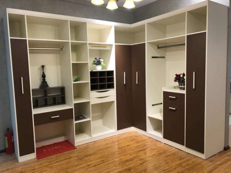 The Advantages and Disadvantages of Corner Wardrobe