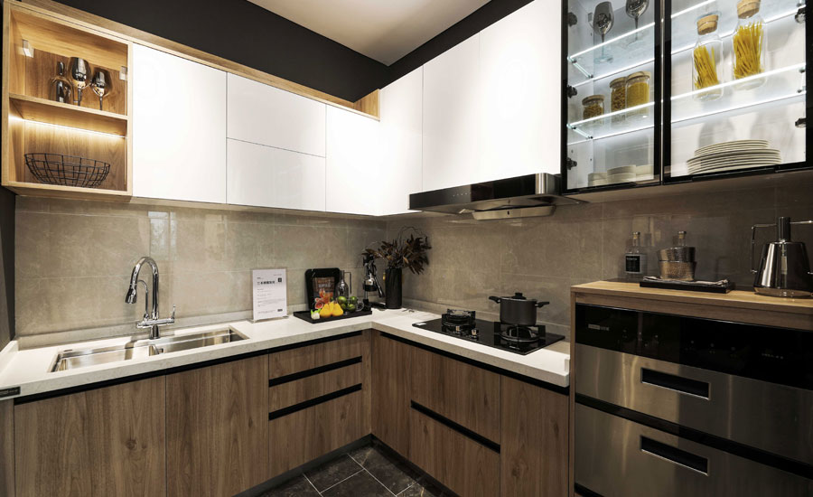 Stainless-steel-kitchens-are-suitable-for-outdoor-use.jpg